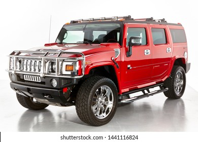 Hummer H2 Images Stock Photos Vectors Shutterstock