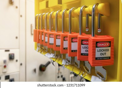 Red key lock and tag for process cut off electrical,the toggle tags number for electrical log out tag out