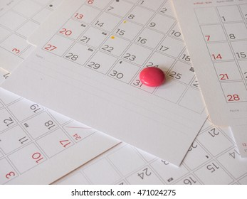 Red magnet on 31 in calendar