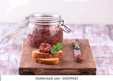 Red onion chutney in a jar