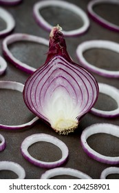 Red onions in slashes