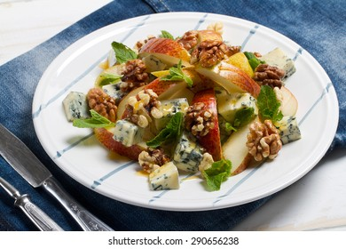 Red pears, mint, walnuts, blue cheese and honey salad