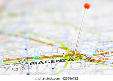Red pin on route map PIACENZA, Italy.