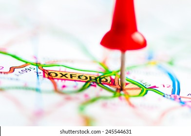 Red pushpin showing Oxford City On Map, United Kingdom, Travel Destination Concept
