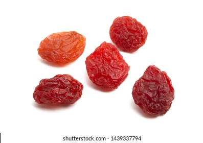 red raisins isolated on white background