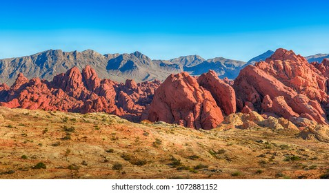 Red Rock Ancient Aztec Formation. Hiking and Recreation in Valley Of Fire National Park, Nevada