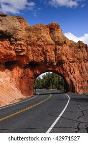 Red rock arch, tunnel in Red Canyon, Utah
