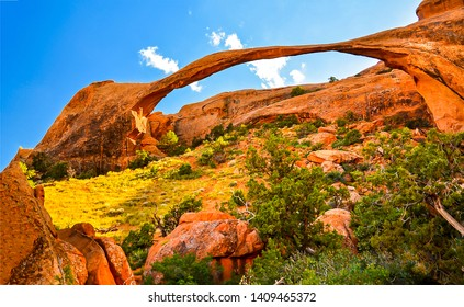 Red rock canyon arch landscape. Arched mountain in red rock canyon desert. Red rock canyon desert arched mountains. Red rock canyon mountain arch view