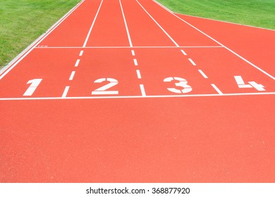 Red running track with the start numbers.