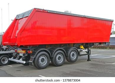 Red Semi Trailer For Bulk Cargo Transport