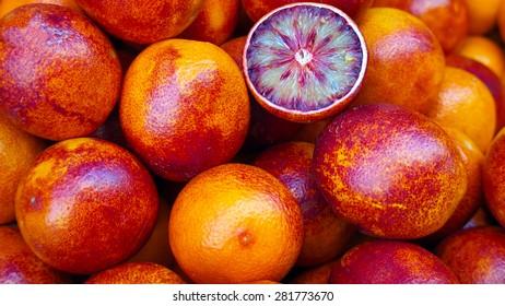 Red sicilian oranges at market
