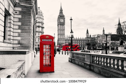 Red Telefone Booth in London