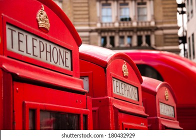 red telephone booths in london