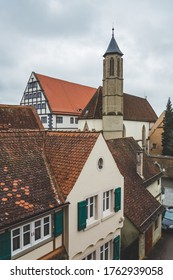 The red tile roofs of the houses in the old town of Rothenburg ob der Tauber. A town in the district of Ansbach of Mittelfranken (Middle Franconia), the Franconia region of Bavaria, Germany
