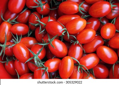 Red tomatoes background (group of tomatoes)