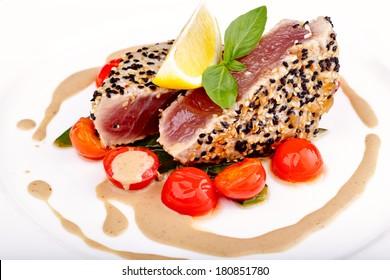 Red tuna steak