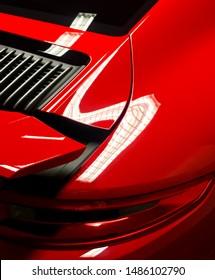 Red ultra gloss Porsche Carrera T