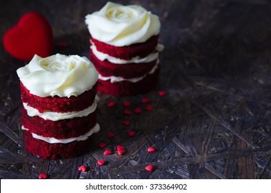 Red velvet cake for lovers