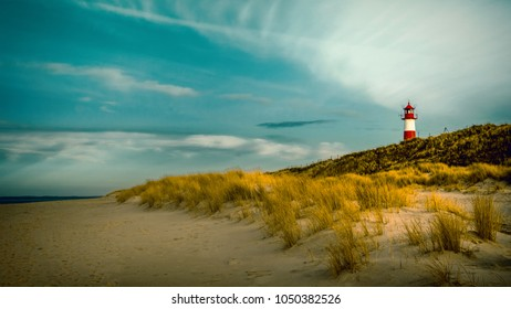 red and white: lighthouse Sylt