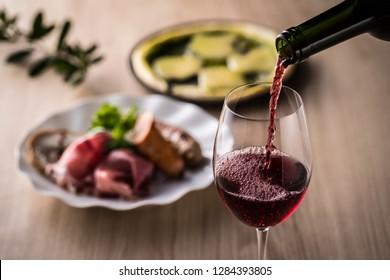 Red wine and Italian cuisine