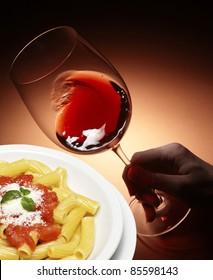 Red wine and macaroni