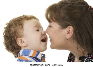 Red-haired boy withe mom in the studio