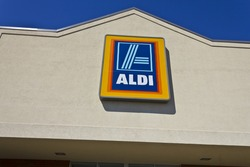 Indianapolis - Circa April 2016: Aldi Discount Supermarket. Aldi is Simply Smarter Shopping II