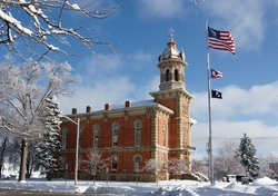Geauga county courthouse in the winter