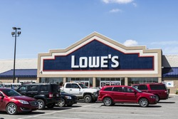 Marion - Circa April 2017: Lowe's Home Improvement Warehouse. Lowe's operates retail home improvement and appliance stores in North America VI
