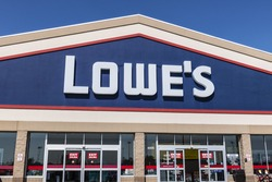 Kokomo - Circa August 2017: Lowe's Home Improvement Warehouse. Lowes operates retail home improvement and appliance stores in North America