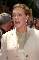 Actress JULIE ANDREWS at the world premiere, in Hollywood, of her new movie Disney's The Princess Diaries. 29JUL2001.   Paul Smith/Featureflash