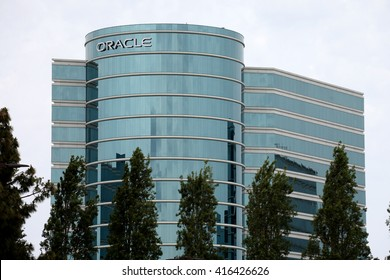 REDWOOD SHORES, CA - CIRCA MAY 2016 - Oracle Company Headquarters. Leading technology company Oracle (NYSE: ORCL) is headquartered in Redwood Shores, CA.
