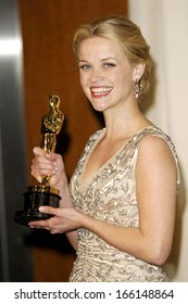 Reese Witherspoon, in a 1955 Christian Dior dress and Fred Leighton jewelry, OSCARS 78th Annual Academy Awards, The Kodak Theater, Los Angeles, March 05, 2006