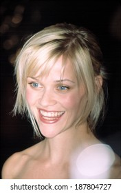 Reese Witherspoon at premiere of THE IMPORTANCE OF BEING EARNEST, NY 5/13/2002