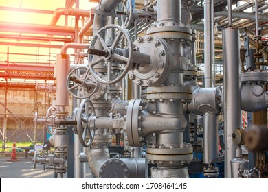 Refinery plant equipment for pipe line oil and gas valves at gas plant pressure safety valve selective