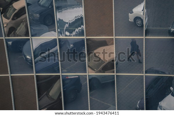 reflections-cars-girl-mirror-surface-600