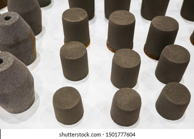 Refractory bricks.refractory materials for the steel and alloy industry.