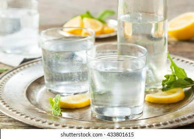 Refreshing Clear Sparkling Water with Lemon and Mint