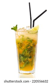 A refreshing cocktail with sea-buckthorn berries, lime and ice