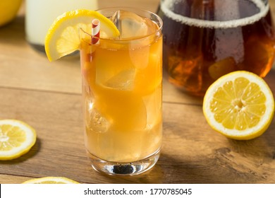 Refreshing Cold Lemonade and Iced Tea with a Lemon