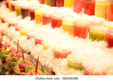 Refreshing crushed ice fruit juice cups