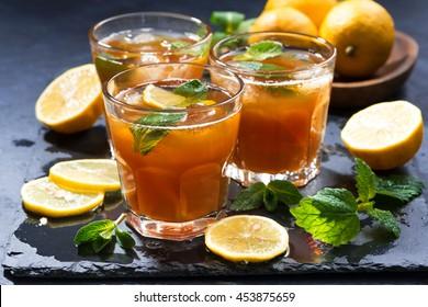 refreshing iced tea with mint and lemon, horizontal