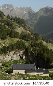 refugio de la renclusa in benasque valley, spain