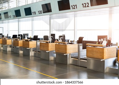 registration empty check-in counter desk closed due to covid pandemic lockdown, cancelled suspended flight. Airways and travel agency bankruptcy at coronavirus