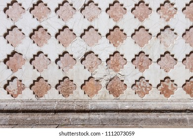 Regular pattern of an old wall made of stone