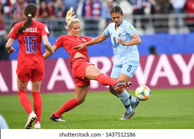 REIMS, FRANCE-JUNE 11:Abby Dahlkemper of USA in action during the 2019 FIFA Women's World Cup France group F match between USA and Thailand at Stade Auguste Delaune