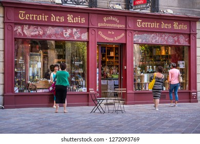 Reims Marne Grand Est France 25th June 2017 People browsing at Terroir des Rois