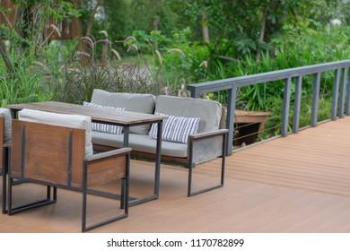 Maison Terrasse Bois Design Images, Stock Photos & Vectors ...
