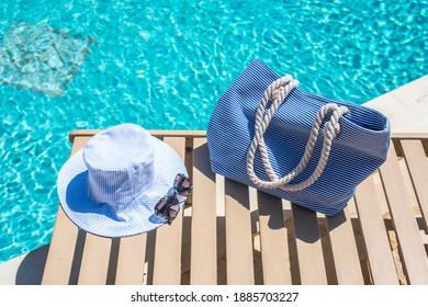 Entspannter Tag am Pool