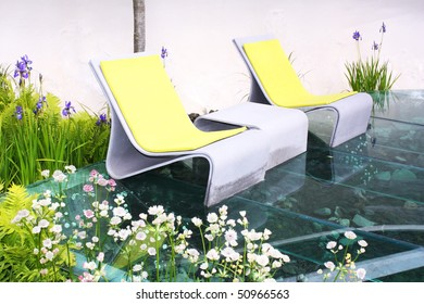 Relaxing seats and plants